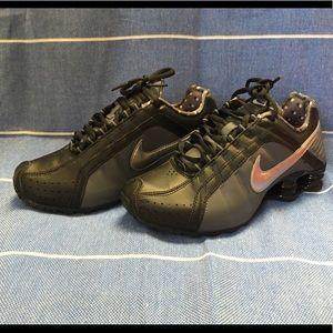 Women's Nike shox junior, size 6, nwt